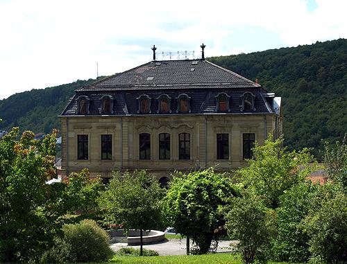 500 Villa Huebner