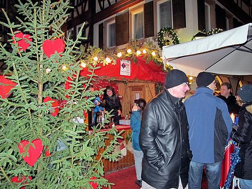 500 Buergerstiftung auf dem Mosbacher Weihnachtsmarkt