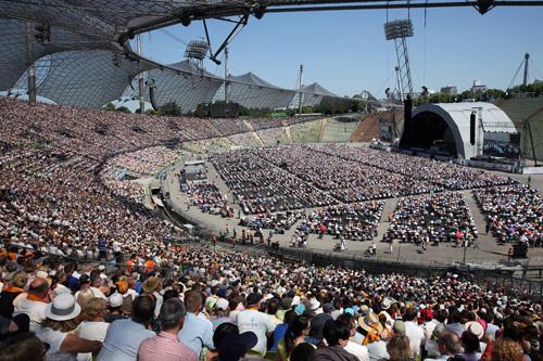 500 O Stadion Gottesdienst