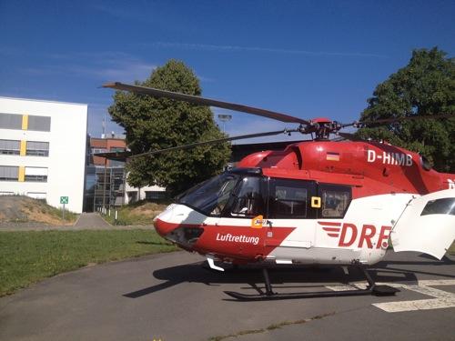 Vom Hubschrauber direkt ins Gebaeude.jpg