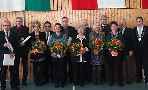 500 Geehrte Kommunalpolitiker mit Ehefrauen und BM Haas