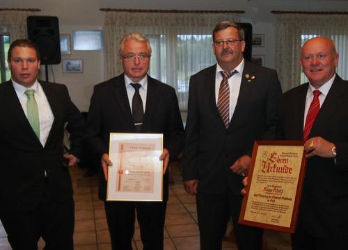 500 Ehrenbuerger und Ehrenring mit M Haas