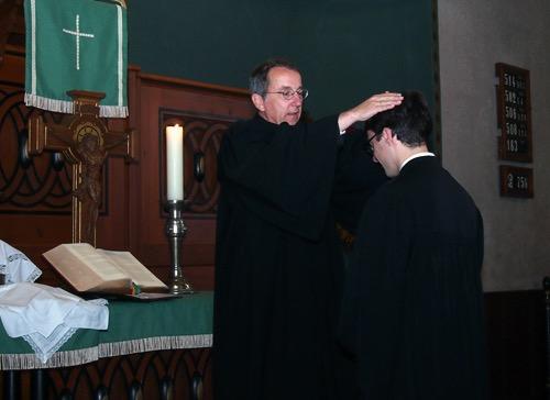500 Segnung Pfarrer Jonathan Richter