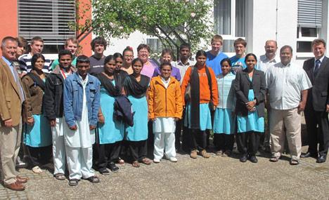 wpid-468Indischer-Besuch-an-der-Gewerbeschule-2011-05-29-19-00.jpg