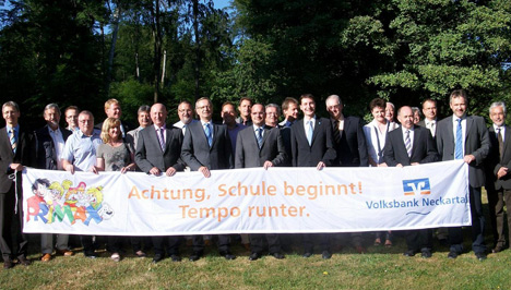 wpid-468Volksbank-sorgt-sich-um-ABC-Schuetzen-2011-05-27-19-48.jpg