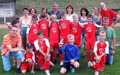 wpid-EJugend-feiert-Turniersieg-in-Sulzbach-2011-06-7-19-48.jpg