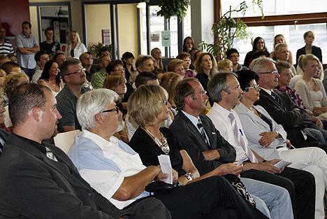 wpid-468150711-WHS-Abschlussklasse-Gaeste-2011-2011-07-16-17-591.jpg