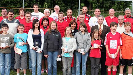 wpid-468SV-Seckach-ehrte-erfolgreiche-Sportler-2011-07-3-23-11.jpg