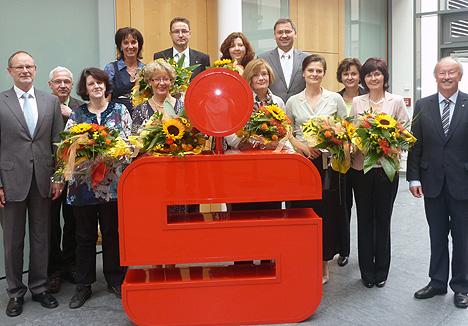 wpid-468Dienstjubilaeen-bei-der-Sparkasse-2011-08-15-12-42.jpg