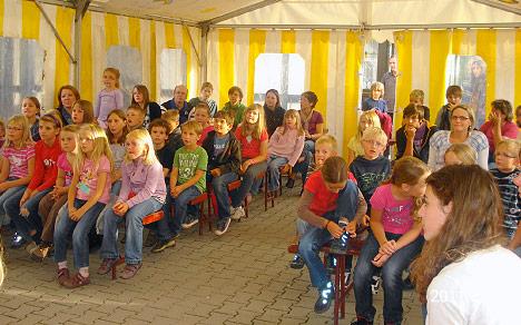 wpid-468Ferienkirche-Publikum-2011-08-20-21-55.jpg