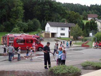Fahrzeugschau der Feuerwehr