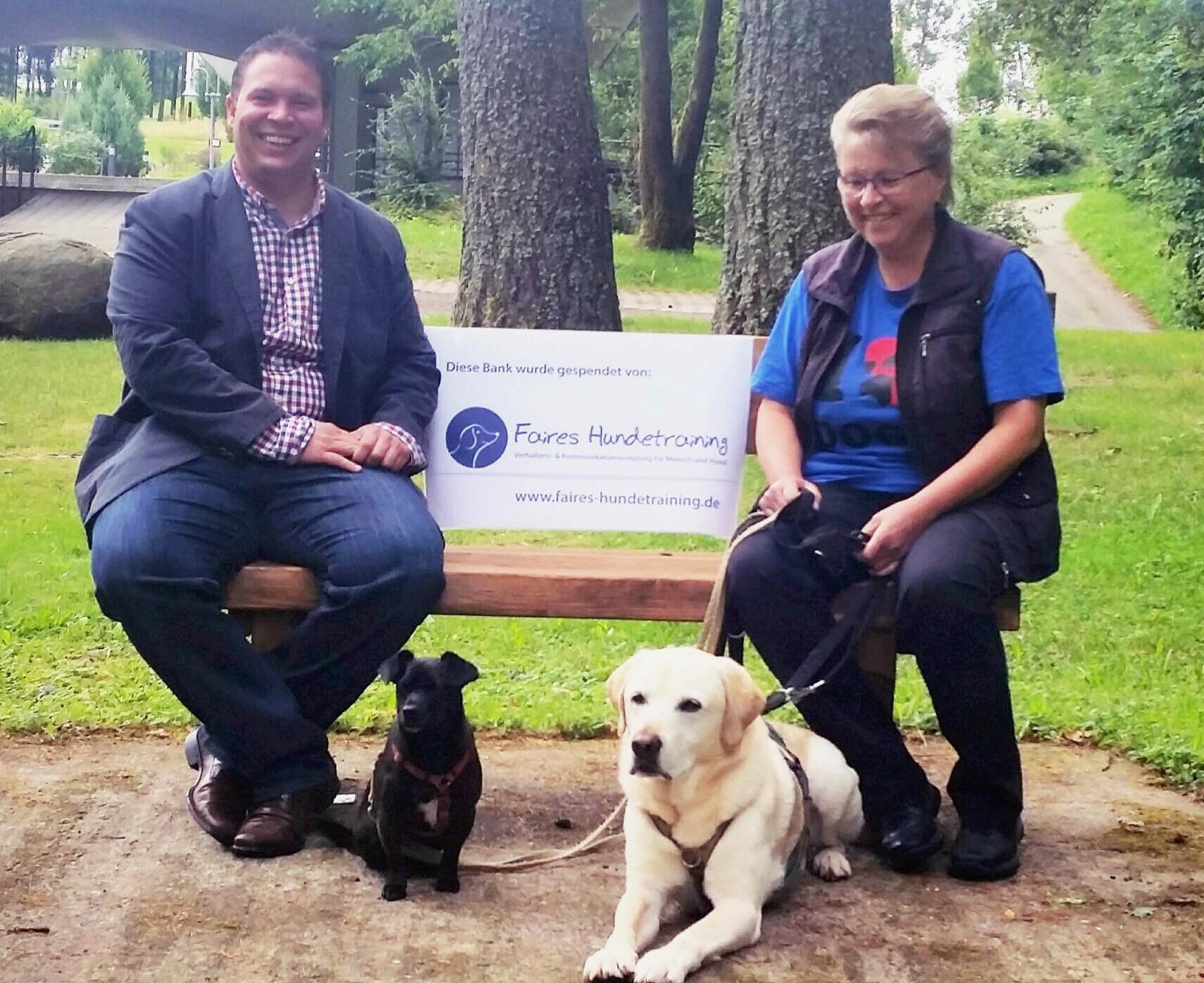 """""""Faires Hundetraining"""" spendet Ruhebank thumbnail"""