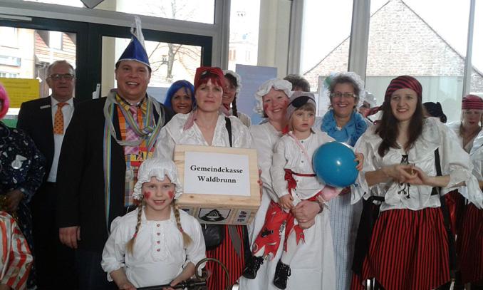 Waldbrunner Narren stürmen Rathaus thumbnail