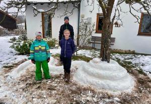 Schneekünstler-aus-Mülben
