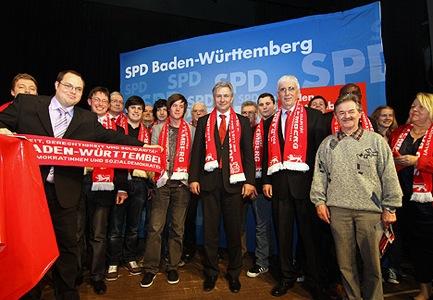 Regierender Buergermeister von Berlin Klaus Wowereit unterstuetzt MdL Georg Nelius