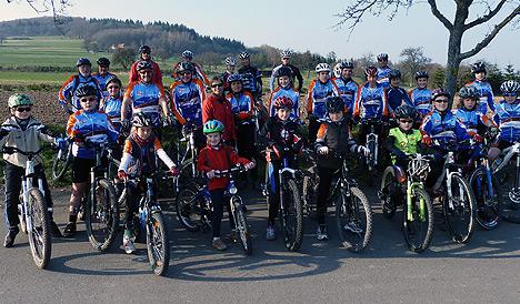 Winterhauchbiker-trainieren-wieder-im-Freien