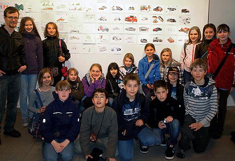 wpid-468HSG-Schueler-stellten-eigene-Kunstwerke-aus-2011-04-13-21-17.jpg