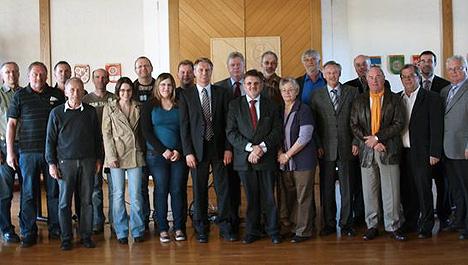 wpid-Buergerstiftung-ueberreichte-Spenden-2011-04-20-13-22.jpg