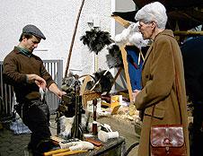 226 Kunsthandwerkermarkt Pinselmacher