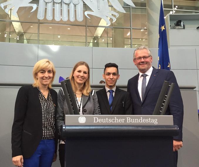 Fuer vier Tage im Bundestag